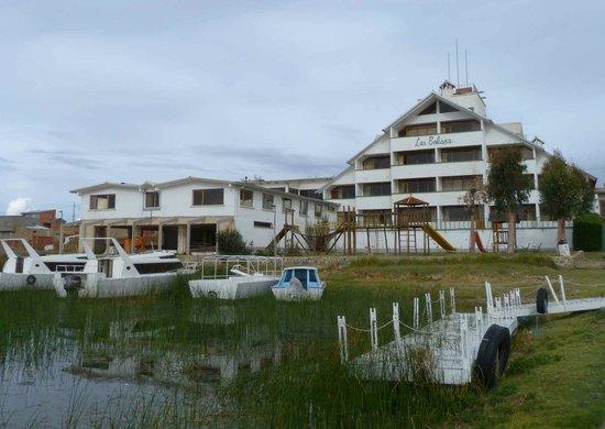 Hotel Las Balsas : The lake frontage of Las Balsas