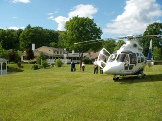 Inn at Clearwater Pond: Our jet-setters arrive in style!