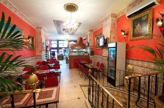 Hotel Mozart: Cafe