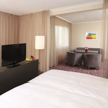 NH Prague City: Suite