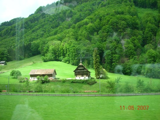 Old Town (Altstadt) : lush green mountains