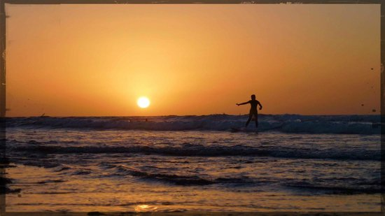 H10 Las Palmeras: H10 Palmeras beach. Only good for surfing, body boarding and watching the sunset.