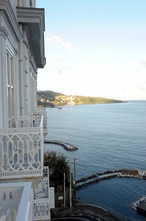 Hotel Mediterraneo Sorrento: Superior Room 305 Balcony View