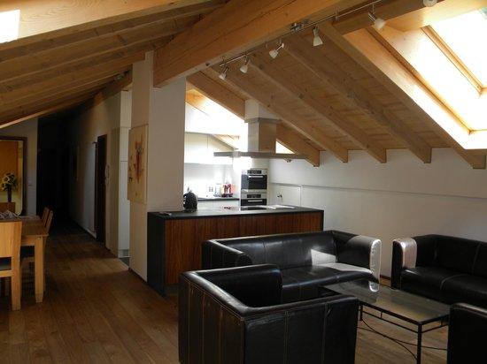 Haus Esplanade : Küche offen mit Wohnzimmer 4 Zimmer Wohung Esplanade