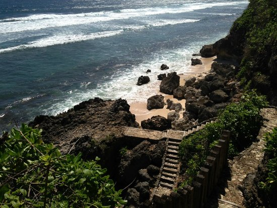 Alila Villas Uluwatu :                   The beach