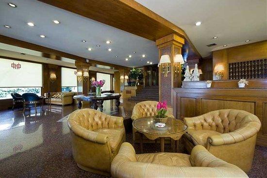 Polo Hotel: Lounge 2