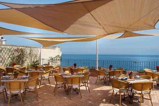 Hotel Relais Maresca: Terrace