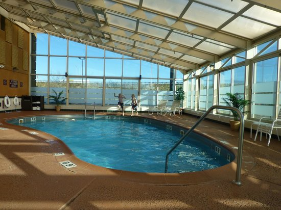 BEST WESTERN PLUS Marion Hotel : Nice Pool--but really cold!