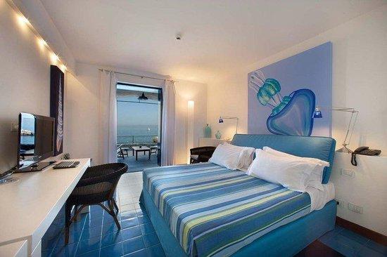 Capo La Gala Hotel: Guestroom
