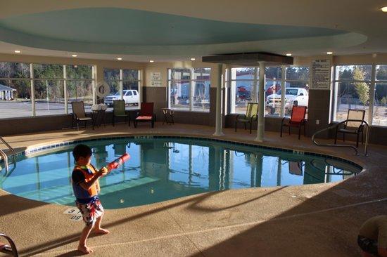 Holiday Inn Express & Suites Havelock: Indoor Pool