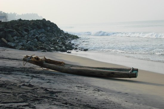 Varkala Beach :                   Bucht vor dem Odayam-Beach.