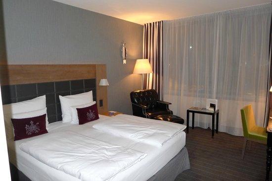 Movenpick Hotel Stuttgart Airport:                                     Bequeme Betten mit hervorragenden Matzen.