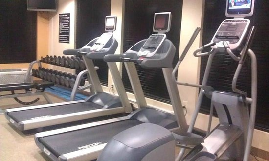 Hilton Garden Inn Tulsa Airport: Exercise Room (no bike)