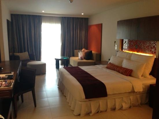Millennium Resort Patong Phuket: Spacious room (cabana)