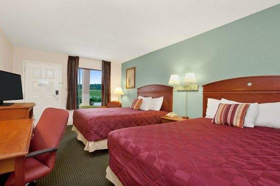 Ramada Pelham: Two Queen Beds Room