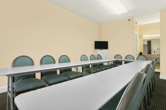 Ramada Pelham: Meeting Room