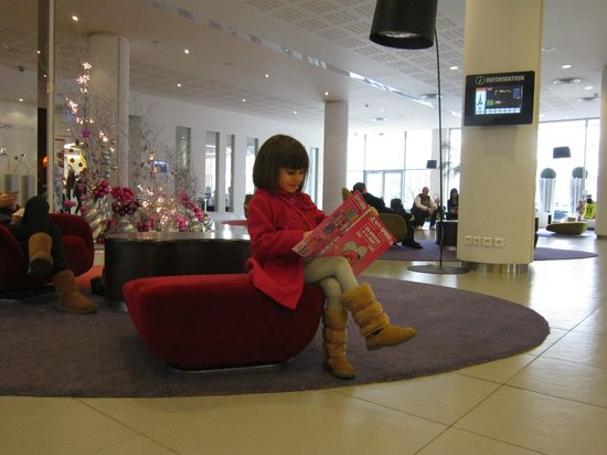 Bagnolet, France : Clarissa nella Hall
