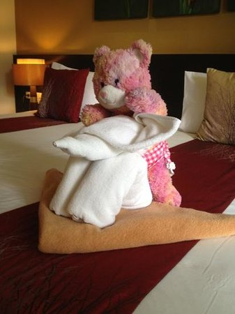 Buri Tara Resort:                   those elephant towel are welcome guest