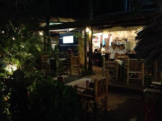 Banana Leaf Restaurant: in the evening