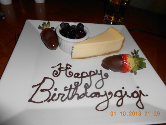 Mantles Restaurant & Lounge : Special Birthday desert