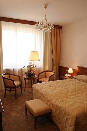 President Hotel: Standard