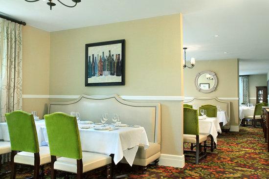 Bretton Arms Dining Room: getlstd_property_photo