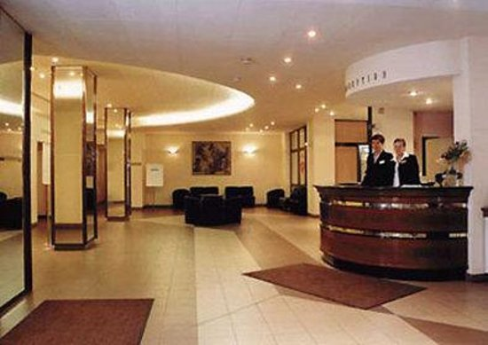 Aliot Hotel: Lobby