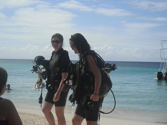 Mayan Princess Beach & Dive Resort:                   Friends heading out for Scuba Diving!