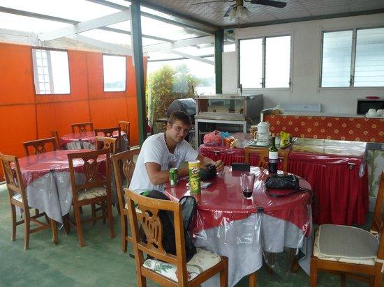 Hotel la Terraza:                   canopy sitting area