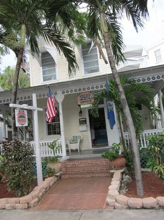 The Palms Hotel- Key West:                   Front of Hotel