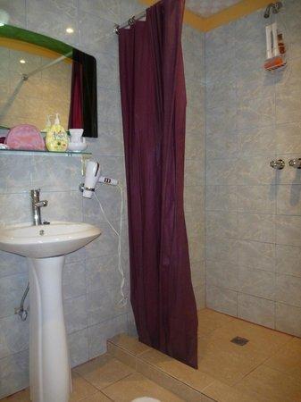 Hotel la Terraza:                   bathroom
