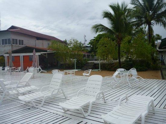Hotel la Terraza:                   deck