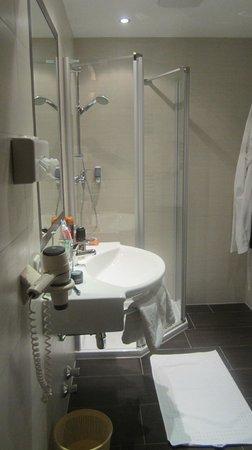Hotel Charly: New bathroom