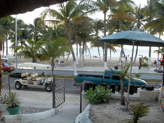 Hotel Posada Del Mar: view of beach from the hotel