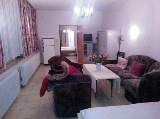 Hotel Engelbert: Seconda camera con letto singolo e salotto