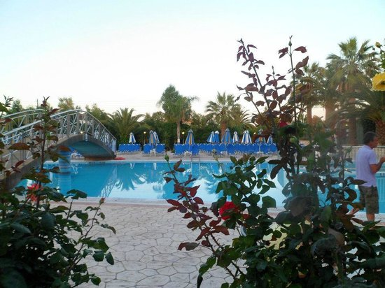 Majestic Spa Hotel:                   lovely pool area
