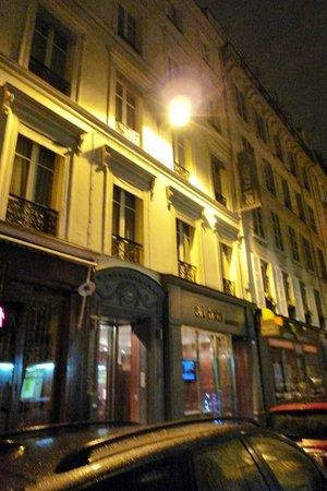 อาร์ต โฮเต็ล บาติยอล: Art Hotel Batignolles