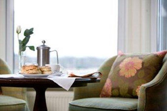 Channings Hotel: Breakfast In Bedroom