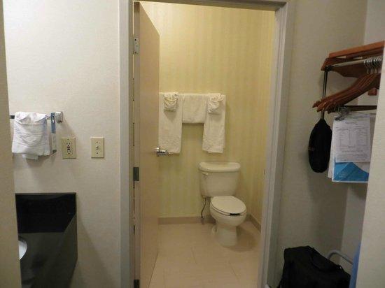La Quinta Inn & Suites Manassas: bath