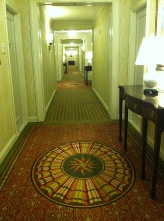 The Ritz-Carlton, Tysons Corner: hallway