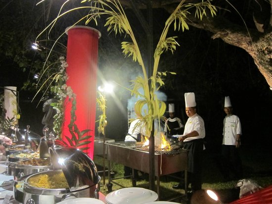 Turi Beach Resort: BBQ Dinner