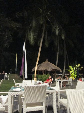Turi Beach Resort: Pool side