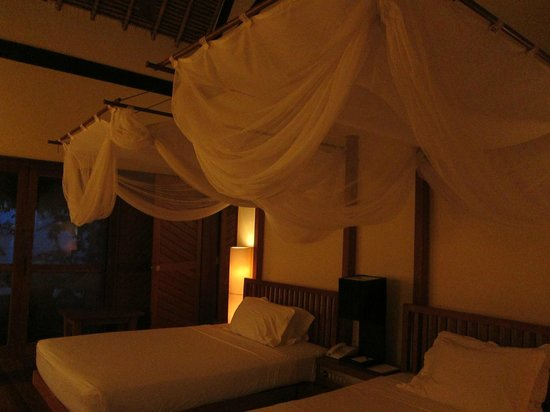Turi Beach Resort: 2 single bed connected room
