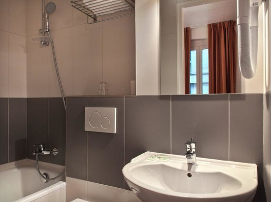 Hotel D'angleterre Etoile : Bathroom
