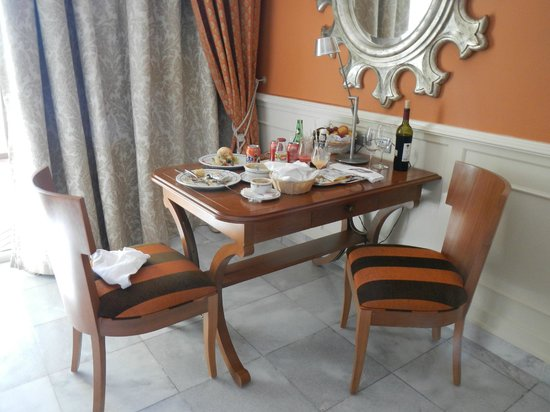 Iberostar Grand Hotel Paraiso: room service