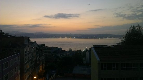 Apart Ayaspasa: Sunrise from panaromic room