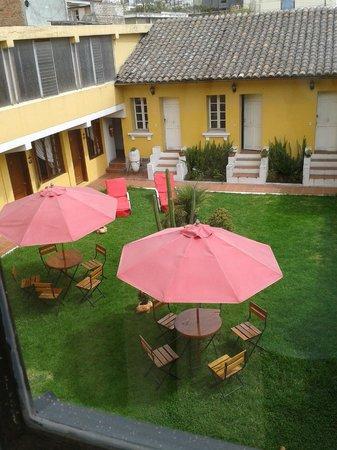pequeña terraza de Hotel La Cartuja