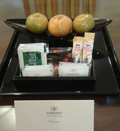 Somerset Chancellor Court: Complimentary Fruits, Coffee & Tea