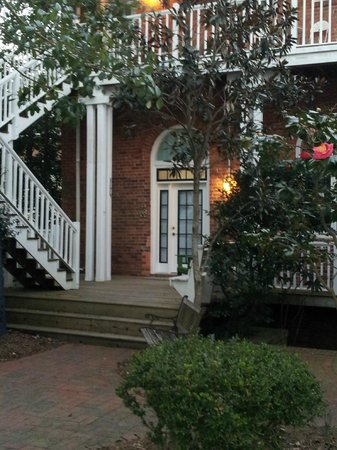 Front Street Inn: The Taverna Suite & Deck