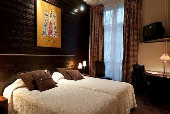 chambre classique picture of hotel pas de calais paris tripadvisor. Black Bedroom Furniture Sets. Home Design Ideas